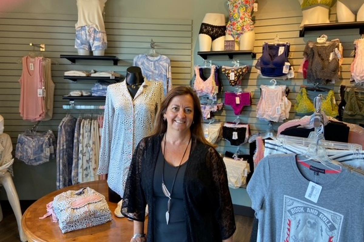 Voss Babe Female Entrepreneur Series - Stevie Turley, Owner of La Tee Da