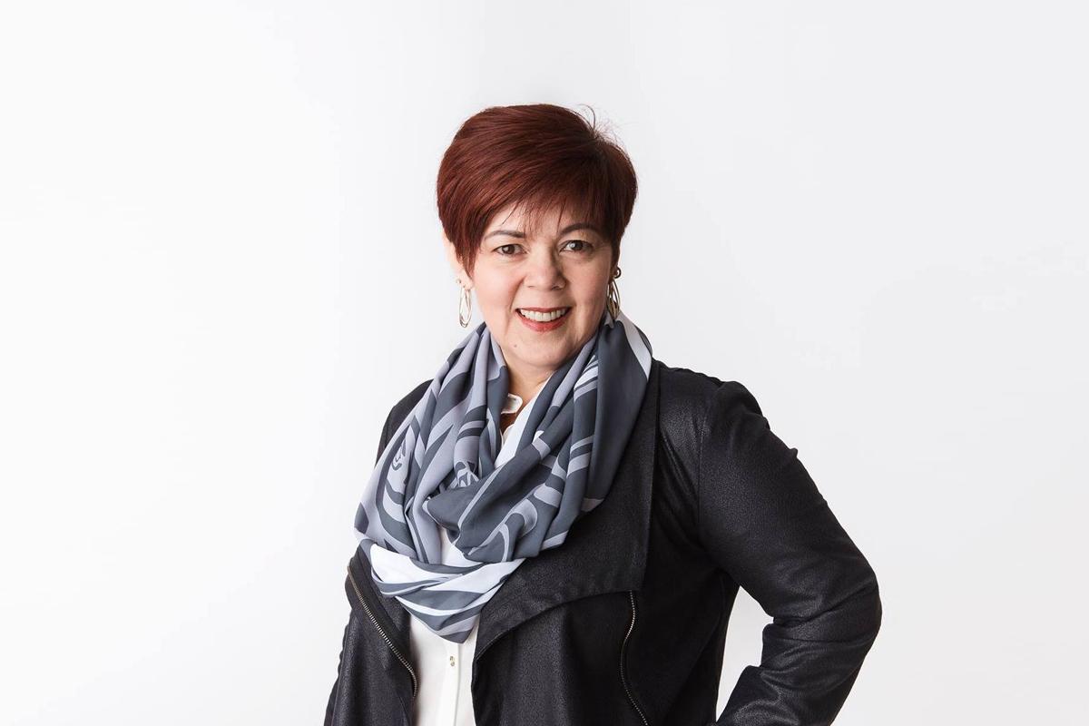 Voss Boss Entrepreneur Spotlight - Valerie Lamirande, Owner of RavenSong Soap + Candle