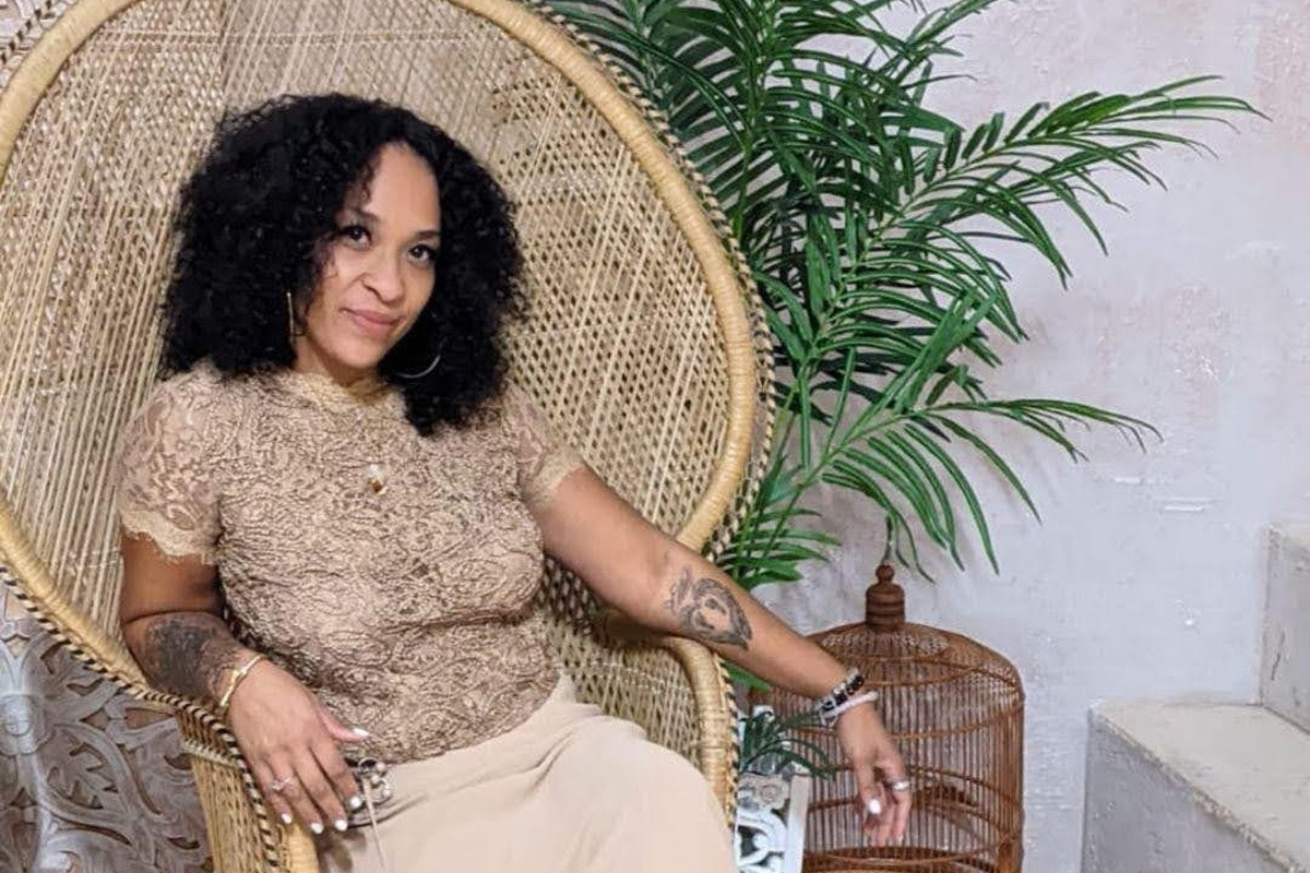 Voss Boss Entrepreneur Spotlight - Crystal Inniss, Owner Of Crissy Creations - Customized Gifts